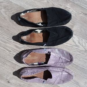 2 pairs of TOMS size 10 black and metallic purple